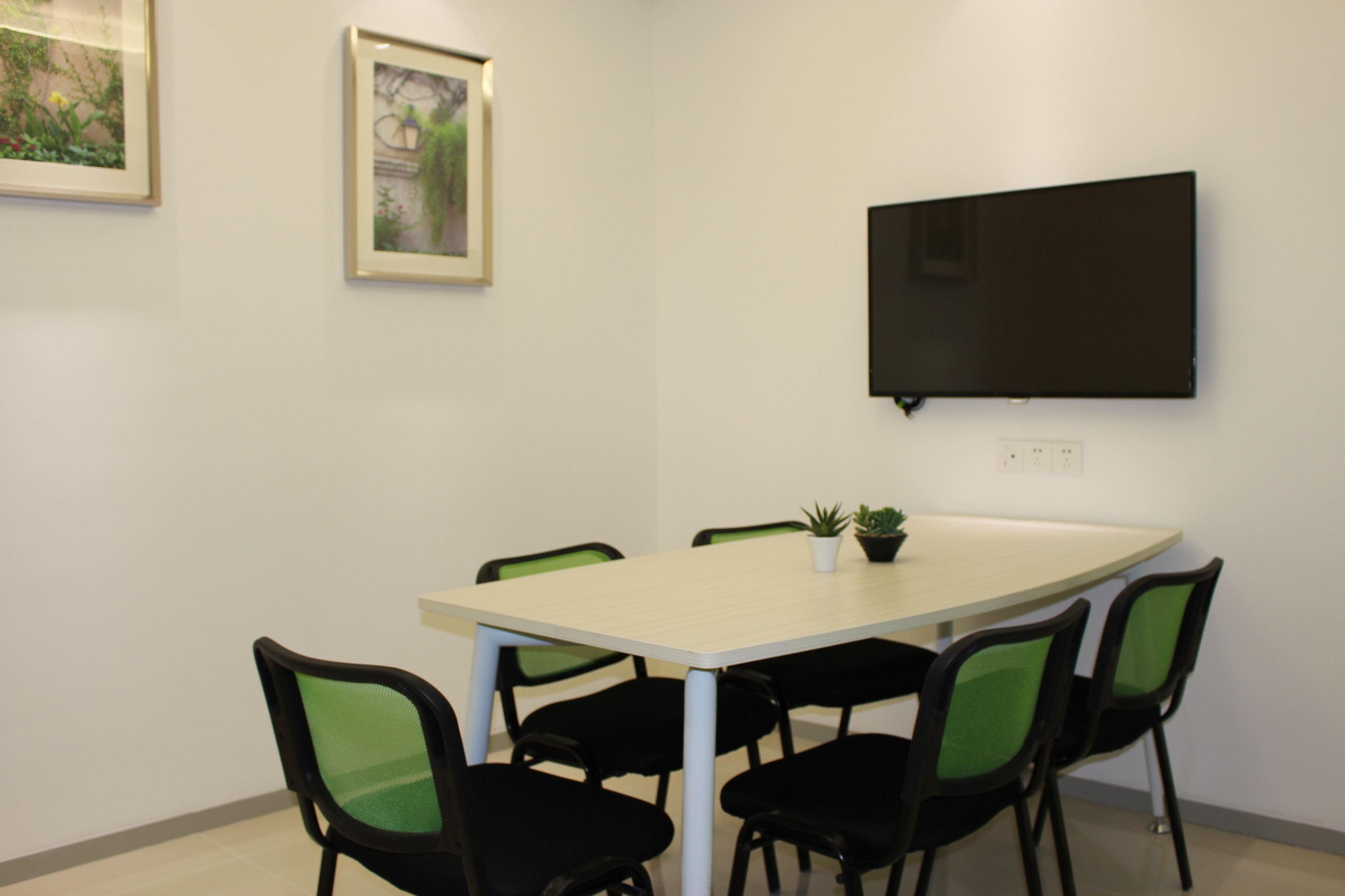 智慧新城微型服务式办公室出租拎包入住