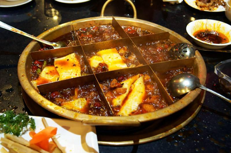 餐饮行业中的新贵 辣不渴言九宫格火锅