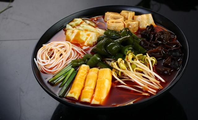 半城山色火锅米线市场前景如何?没有经验能不能加盟?
