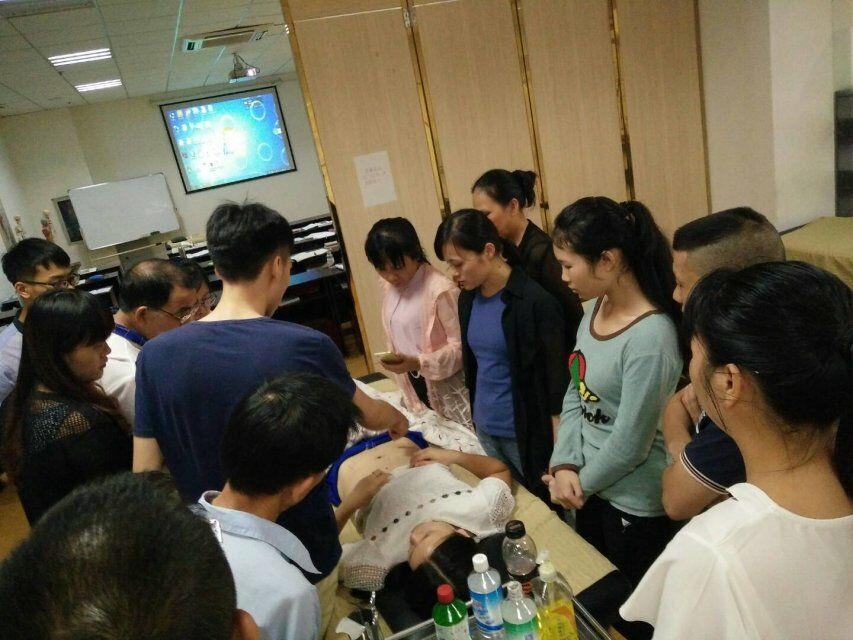 柳州哪里学针灸可以考针灸证柳州中医针灸理疗培训学校