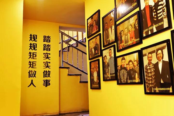 唐山最好的美发化妆纹绣美甲学校