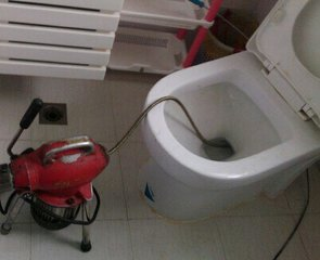 北大街专业马桶疏通师傅电话;维修洗菜池水龙头漏水师傅